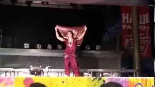 Amrapali-Leena Goel-Russia dancing Katya Kudinova.Holi mela 2013.Marathi folk dance
