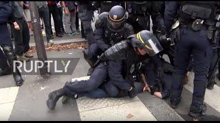 France: Molotov cocktails, teargas and baton charges mar Paris labour law protest