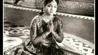 Azhaikathe .... Singer, P.Sushila  ... Film, Manalane Mangayin Bhagyam (1957)
