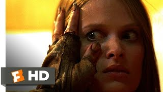 The Hills Have Eyes (2/5) Movie CLIP - Lizard Attacks (2006) HD