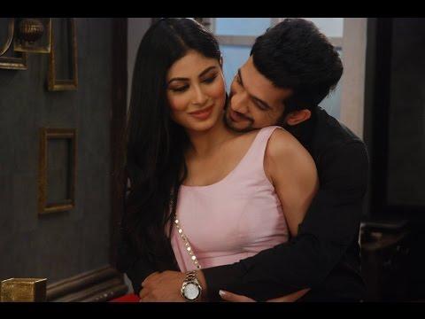 Xxx Mp4 Mouny Roy Hot Romantic Scene Nagin Serial With Arjun Bijlani 3gp Sex
