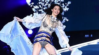 Victoria's Secret Model Ming Xi Recovers from Fashion Show Runway Fall Like a PRO