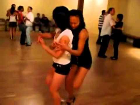HOT Cewek Goyang Sambil Sange - Sexy Dancer Hot Girl