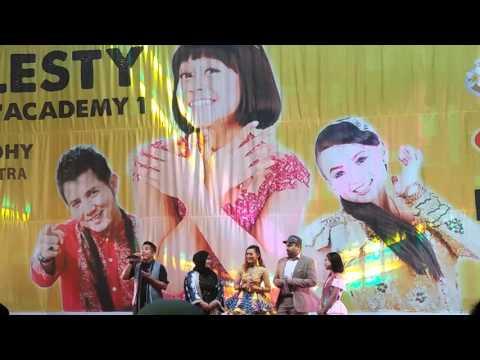 Tum Hi Ho Lesty ft Jhundy Hongkong 24 April 2016