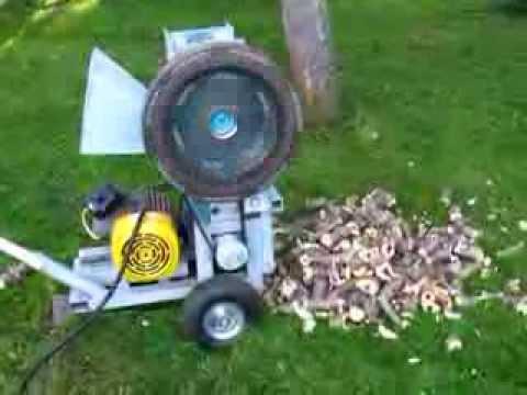 Štěpkovač na větve s elektrick� m motorem