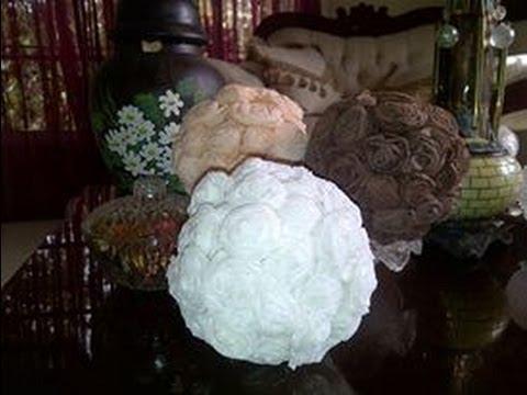 Esferas Decorativas con Papel Crepe