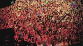 Avicii ft. Empire Of The Sun - Levels & Walking On A Dream