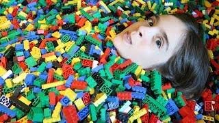 INSANE LEGO BATH! + LEGOLAND HOTEL ROOM TOUR