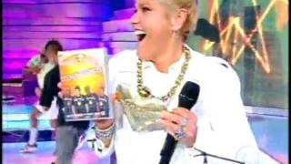 Xuxa na dança do passinho com os Havaianos na Tv Xuxa