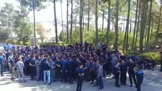 Iran; Saveh; Les employés de Saveh Lastic en grève contre la baisse de leurs salaires; le 21 août
