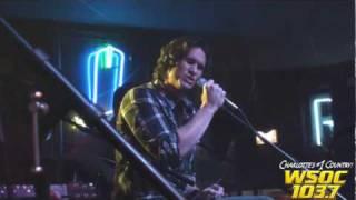 Stout Pull 2010: Joe Nichols performs