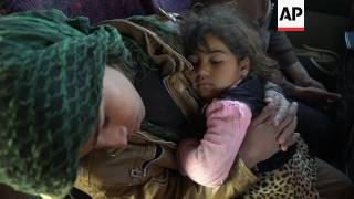Displaced Mosul families struggle to find shelter