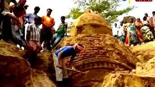 বাঁধ খুঁড়তে গিয়ে ২টি মন্দিরের হদিশ । ETV NEWS BANGLA