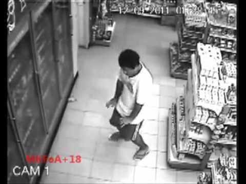CCTV Hantu keluar dari badan