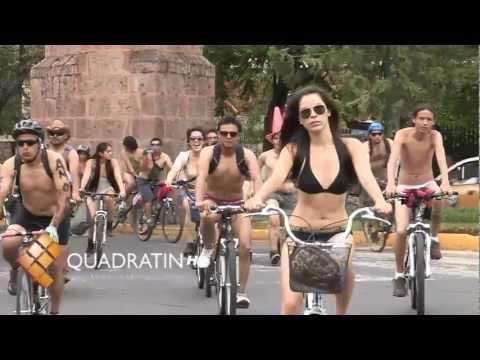 Se realiza caravana ciclista al desnudo en Morelia