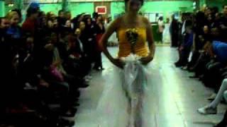 desfile de roupas reciclagem escola Brazilia Tondi