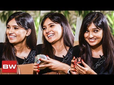 Xxx Mp4 Vani Bhojan S Addiction Inside Vani Bhojan S Handbag 3gp Sex