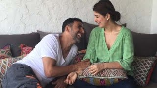 Aww! Akshay Kumar And Twinkle Khanna's Love Over Internet | Bollywood News