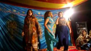 SENSATIONAL MUJRA AT A PUNJABI WEDDING Bahawalpur
