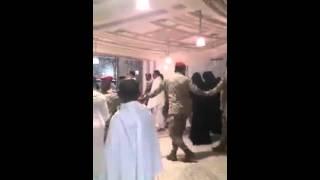 Gen  Raheel Sharif performs Umrah in Saudi Arabia
