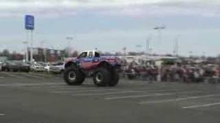Bigfoot Open House 2008 - Car Crush Highlights