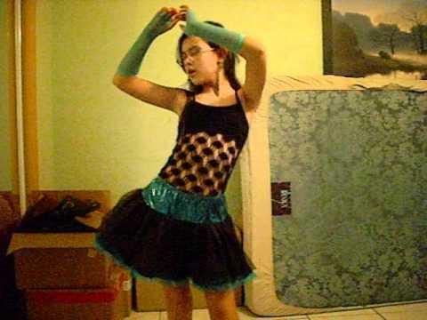 Me dancing shakira