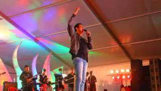 vijay prakash sir sings Bombe helutaite song