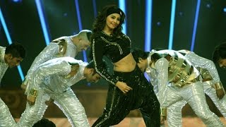 Hot Daisy Shah's Electrifying Dance Performance | Country Club's New Year 2015