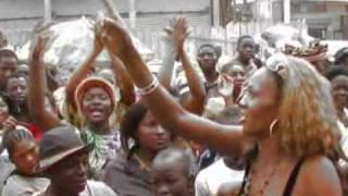 les dauph,ines    gloire aux femmes  bikutsi  cameroun  (les dauphines@ymail.com.