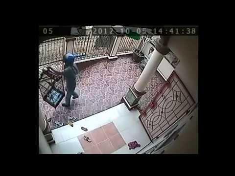 Wanita & Dokter Saat USG Terekam CCTV