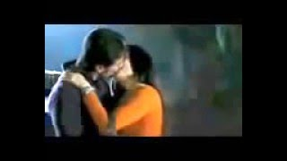 kareena kapoor & Saif Ali Khan Lip Press kiss scene   Kurbaan