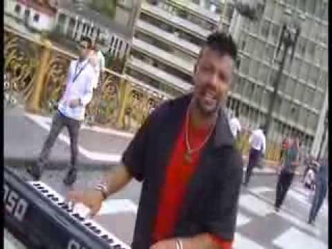 CANTOR AMOROSO MUSICA VOCÊ VOLTOU