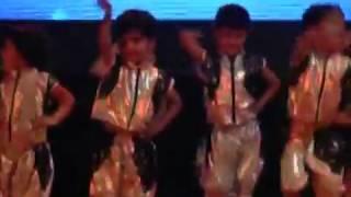 zabra Fan Dance