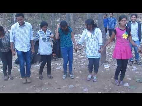 chain dance in nagpuri song at pitapali picnic-2014