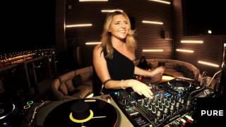 DJ Vicky  Vanna at Pure
