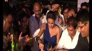 Sahara one success party - IANS India Videos