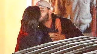Selena Gomez Junto con The Weeknd Besándose
