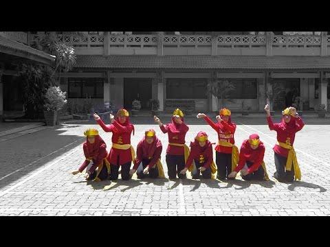 Xxx Mp4 Tari Kreasi Lampung Tari Muli Bumain X 3 SMA Al Kautsar Bandar Lampung 3gp Sex