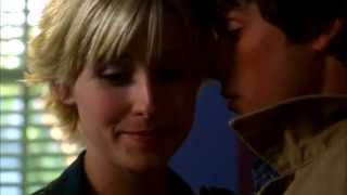 Clark and Chloe- Magnetic Kiss