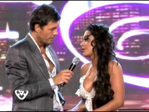 Showmatch 2011 Larissa Riquelme sin filtros besó a Marcelo Tinelli
