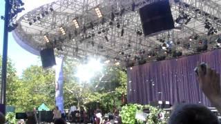 Whitney Houston Million Dollar Bill Good Morning America live at Central Park, New York