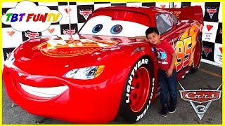 GIANT LIGHTNING MCQUEEN Life Size DISNEY CARS 3 Family Fun Meet and Greet