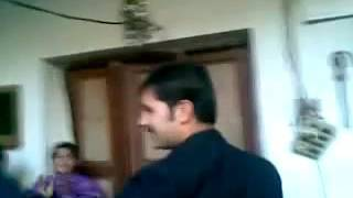 ,Pakistani girls dance.