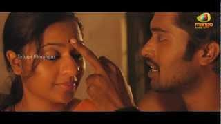 Usuru Telugu Movie Scenes - Abhinaya and her boyfriend find a shelter to hide - Madhavi Latha