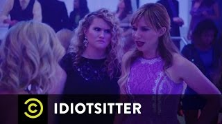 Idiotsitter - Grandma Billie Goes to the Club