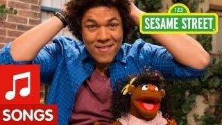 Sesame Street: I Love My Hair Song (Mando's Spanish Version)