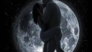 Entre la Tierra y el Cielo= (Voy a comerte el corazón a besos)