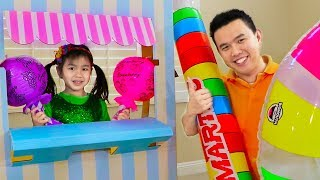Jannie Pretend Play as Candy Maker at Candy Toy Store - Lollipop Play Doh Squishy Toys
