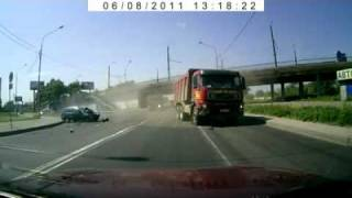 تصادف مرگبار کامیون با ماشین