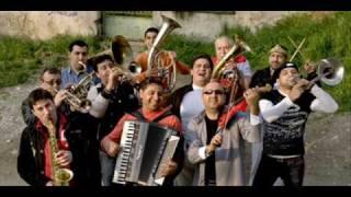Download Mahala Raï Banda vs. Shantel - Mahalageasca - Bucovina Dub